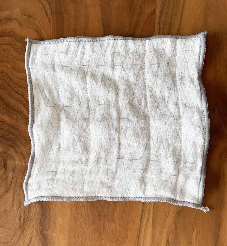 セリアのかや織りふきんを洗った状態