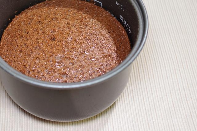 オーブンを炊飯器で代用したケーキ