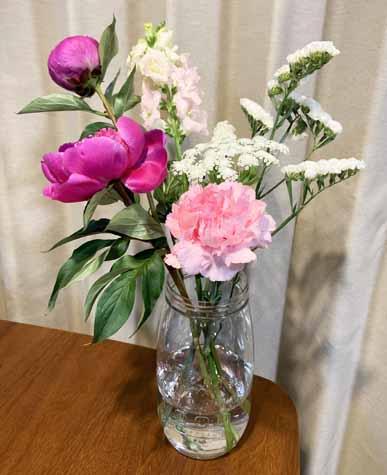 花瓶は100均!プラスチックの大きい花瓶